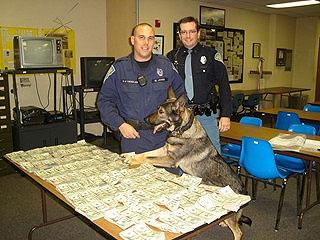 Полицейский пес Босс