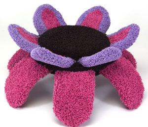 Лежанка-трансформер для кошки в виде цветка